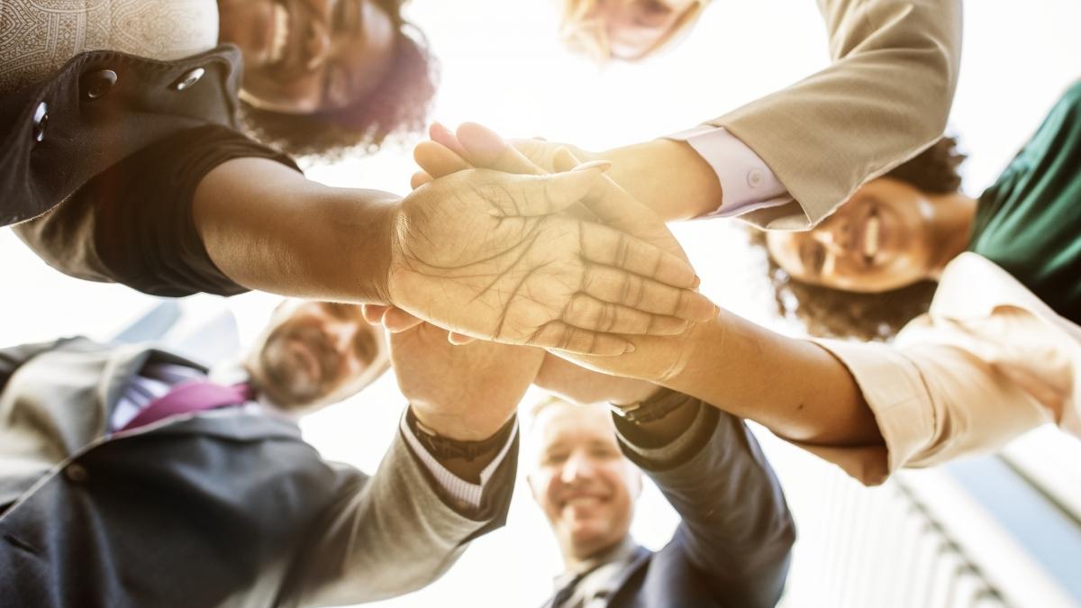 Les risques psychosociaux constituent l'ensemble des éléments portant atteinte à l'intégrité physique et à la santé mentale des salariés au sein de leur environnement professionnel.